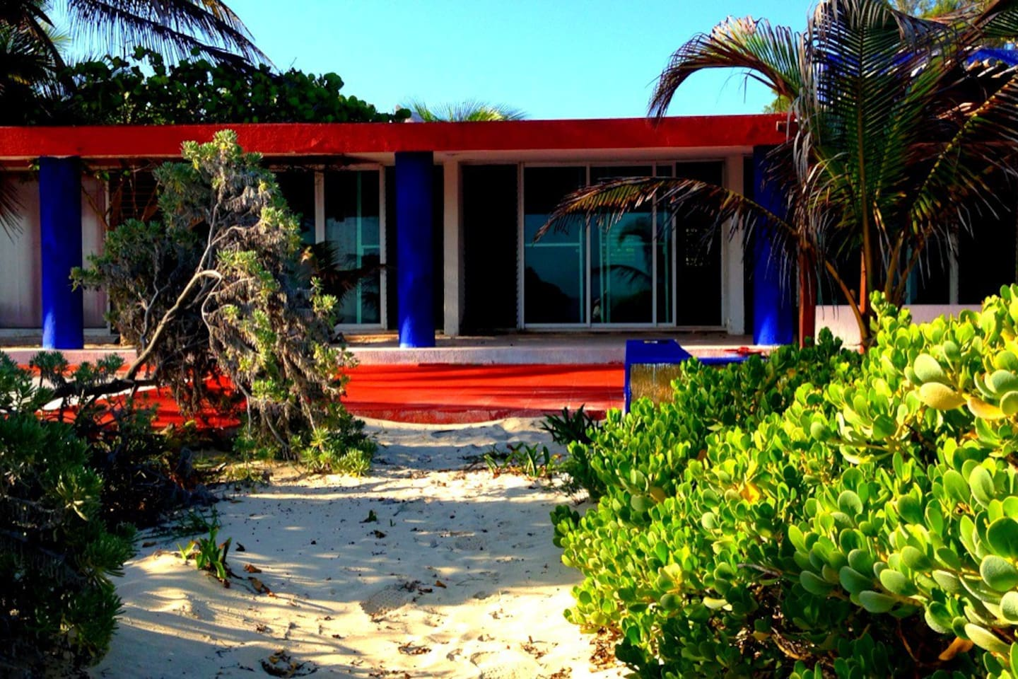 BeachFront, literally 5 steps from the sea. 2 bedrooms, living room and diner table overlooking the beach.