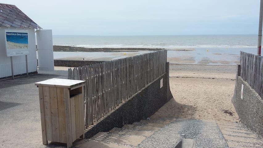Duplex au pied de la plage de Carolles - Carolles - Lakás