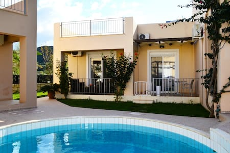 Villa 100mt from beach,pool 10% OFF EARLY BOOKING - Nopigia