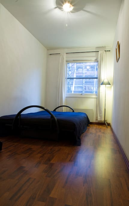About 8 sqm bedroom for the guests that wants to stay with me and get information of what Oslo has to offer.