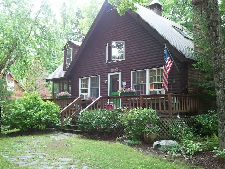 Quaint and cozy nh log cabin houses for rent in freedom for New hampshire log cabins