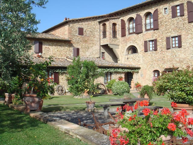 Villa apts near Florence Chianti - มอนเตซเปอโตลี - อพาร์ทเมนท์