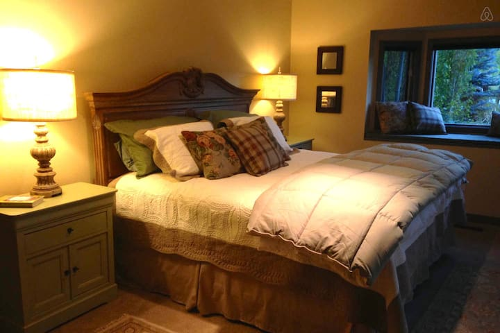 Romantic Suite Private Entrance/Bath close to town - Steamboat Springs - Dom