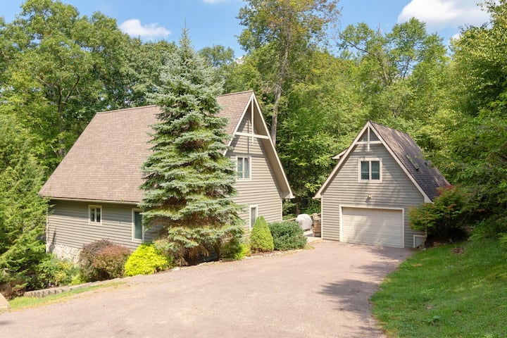 DOGS WELCOME! Lakefront Home w/Dock Slip, In-Law Suite & Outdoor Hot Tub!
