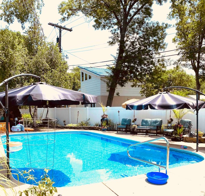 The Pool House-Pool is opened 6/1 to 9/15.