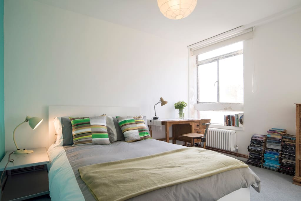 Lovely room shoreditch columbia rd chambres d 39 h tes louer londres royaume uni - Chambre a louer a londres ...
