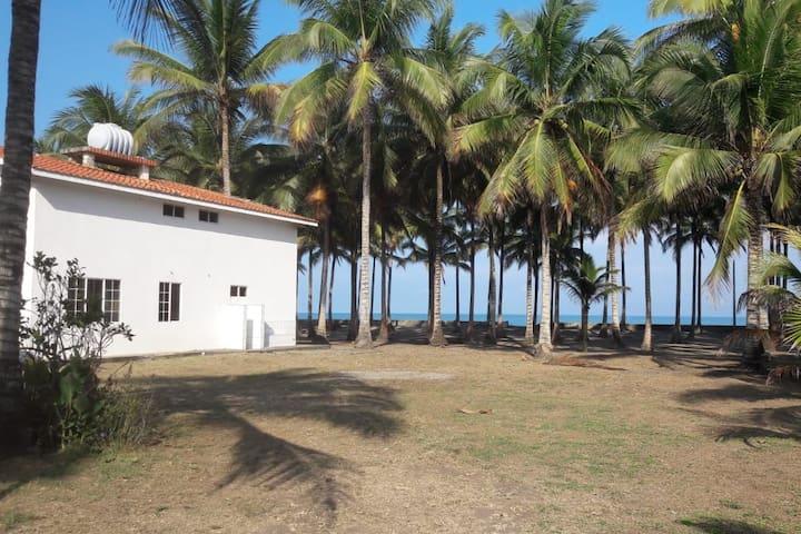Casa independiente junto a la playa