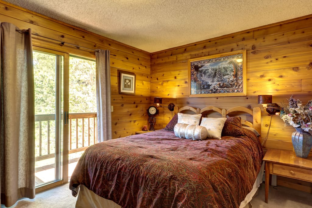 Queen room w private deck