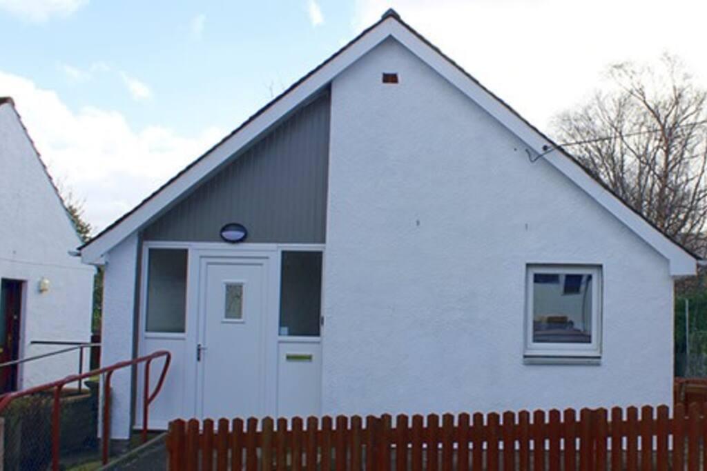 Registry Cottage front