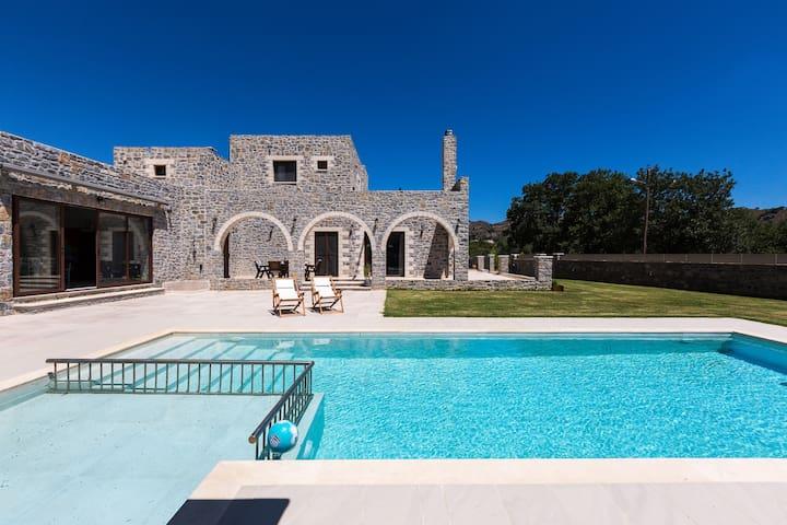 Vilana House, nature-inspired retreat!