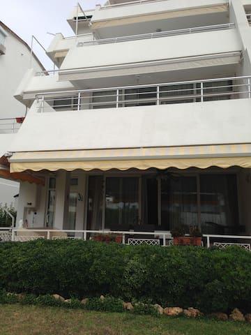 Garden Level Beautiful Apartment - Antalya - House