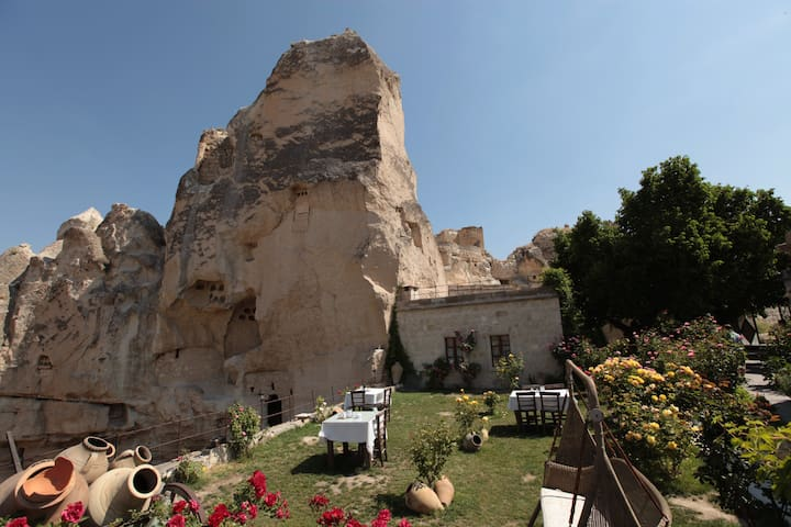Dervish Cave House - Göreme - Bed & Breakfast