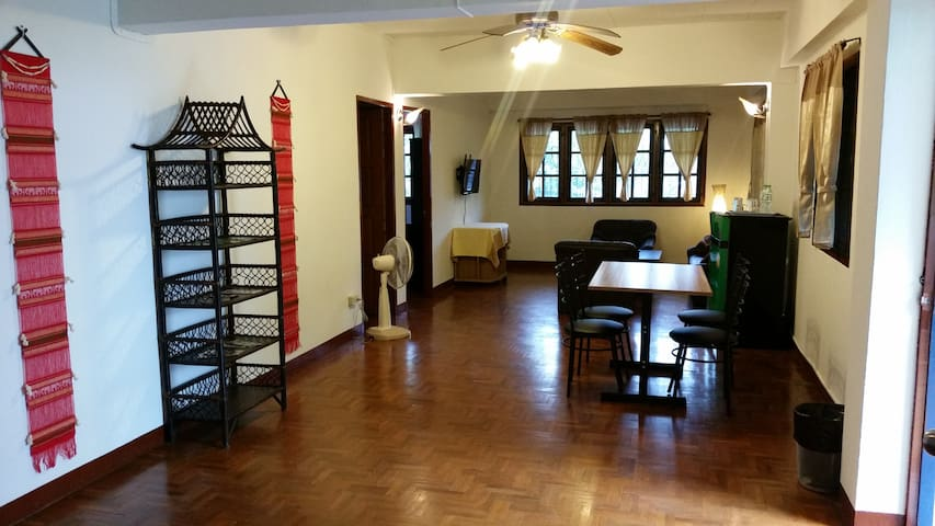 Beautiful apartment in the heart of the old town - Si Phum - Flat