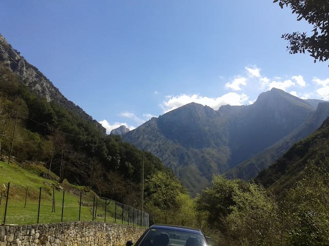 LA HUERA, paz y naturaleza en picos de Europa - Asturias - House