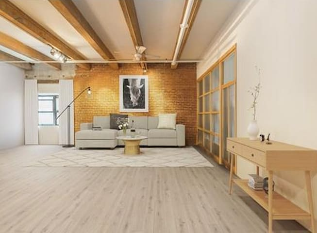 Seaport Brick and Beam 1 bed.