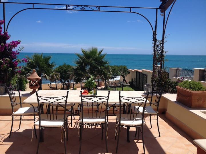 Villa Paola , beach front villa.
