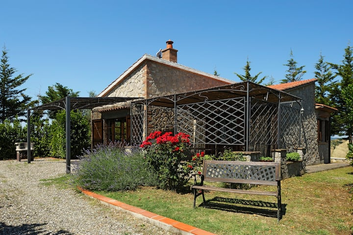 Capannacce . Cottages in Tuscan Country