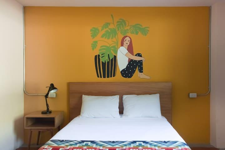 Selina Baños - Small Room