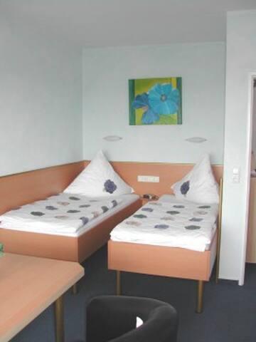 City-Apartment FA010 - Roedelheim - แฟรงก์เฟิร์ต - อพาร์ทเมนท์