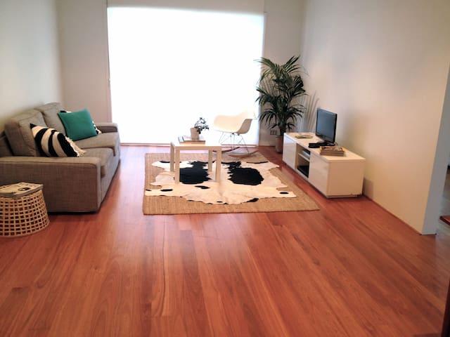Stylish 2br beautiful North Bondi - North Bondi - Apartment