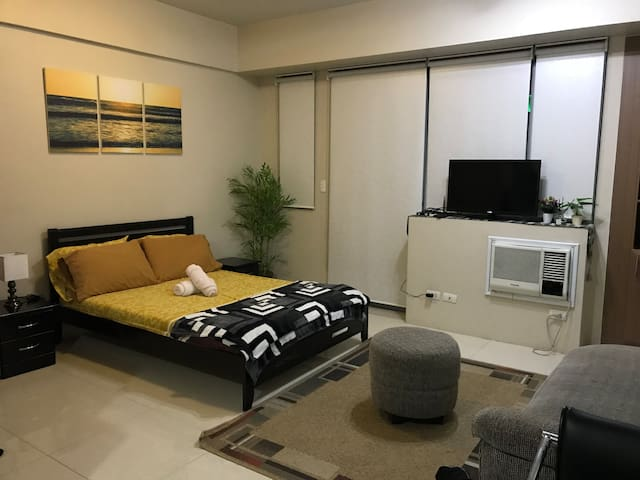 Clean, Relaxing, Comfortable, Practical Condo Unit