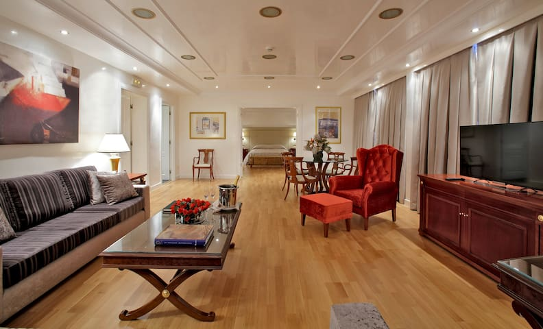Luxury Penthouse Suite in Piraeus - Pireas - ที่พักพร้อมอาหารเช้า