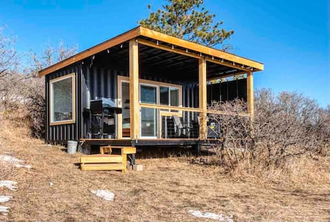 The Container Home. With Beautiful views!