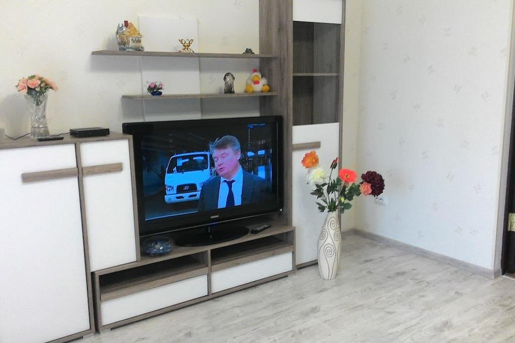 это стенка и телевизор