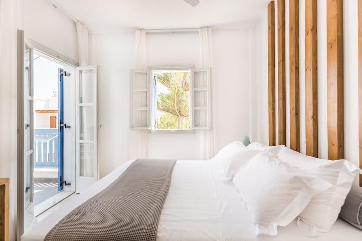 Fanouris Condo Traditional Apartment