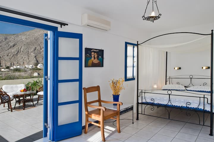 Cycladic Style Family Suite