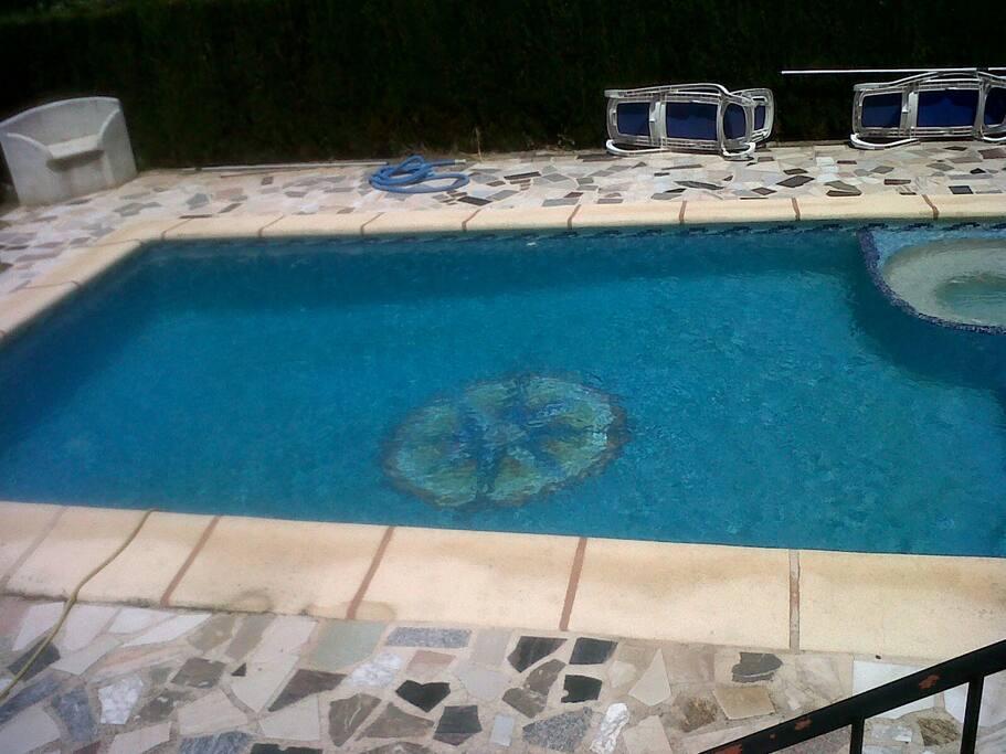 piscina con jacuzzi para el verano y todo el año jajajaj