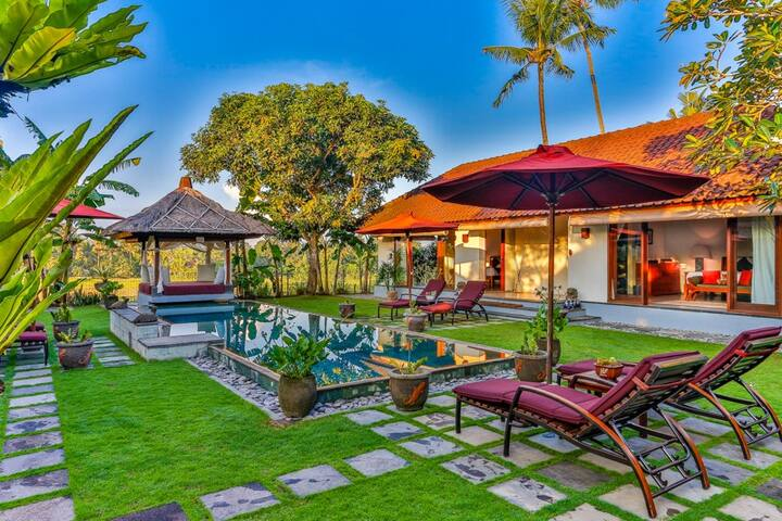 Great Value, 4 Bedroom Private Bali Villa, Pool