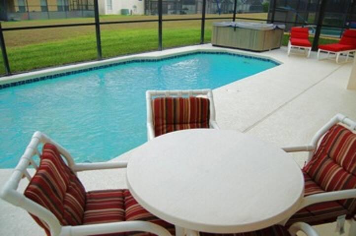 Pool/pool deck