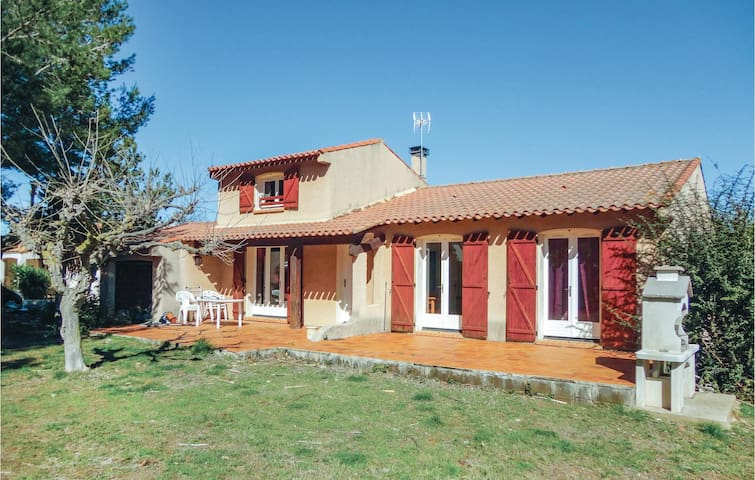 Holiday cottage with 3 bedrooms on 110m² in Pinet