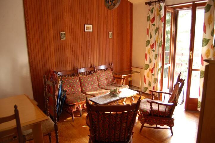 Fraz. Beaulard, attico montano - Beaulard - Appartamento