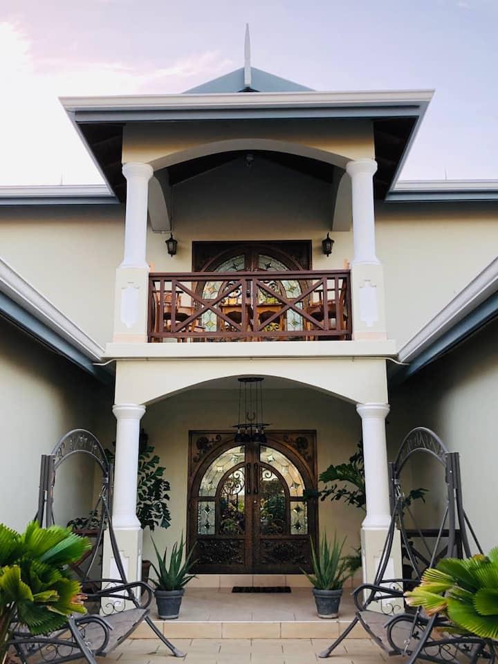 Paradise Villa on The Golf Course