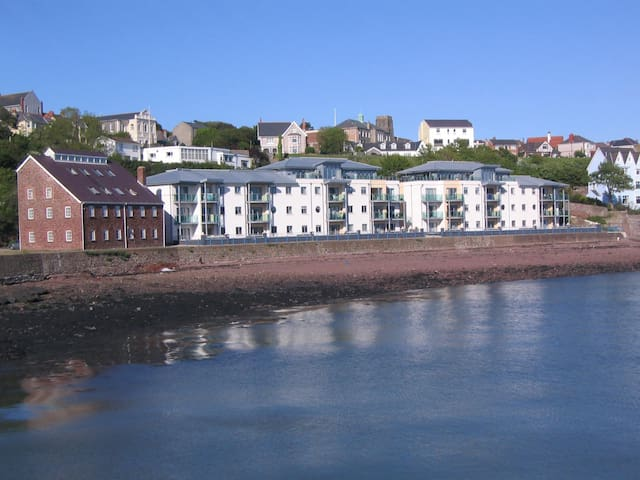 Smokehouse Quay - Marina Apartment Pembrokeshire - Milford Haven - Flat