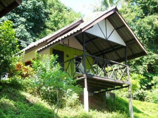 Green, fan comfort bungalow - Ko Mak - Chalet