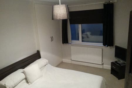 Large Doble Room. - London