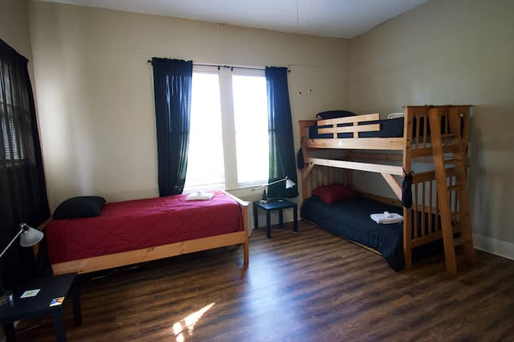 "Cajun Stays - Cajun Hostel Downtown ""Bottom Bunk"""
