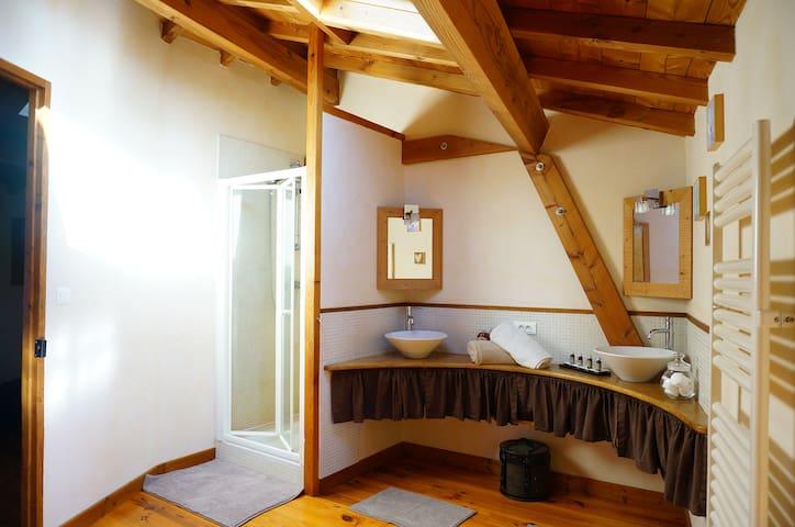 Chambre au coeur du Beaujolais - Ternand - Casa