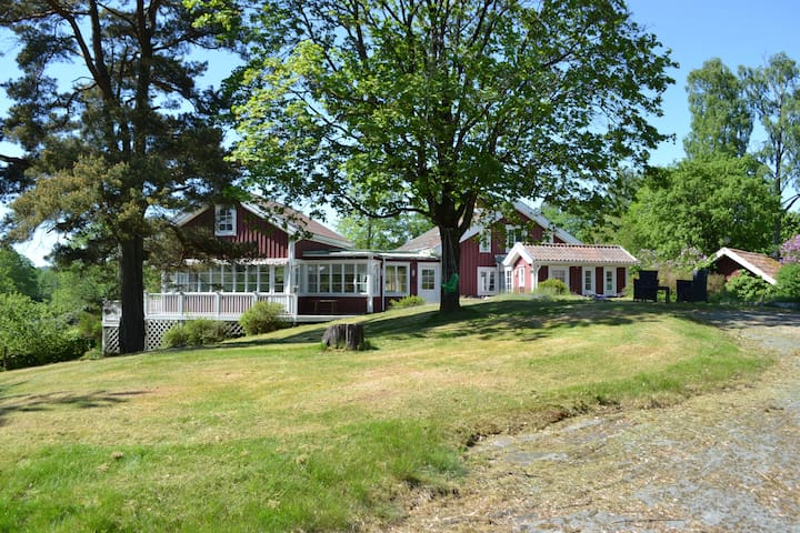 Superb lakeview house near Gothenburg and Alingsås