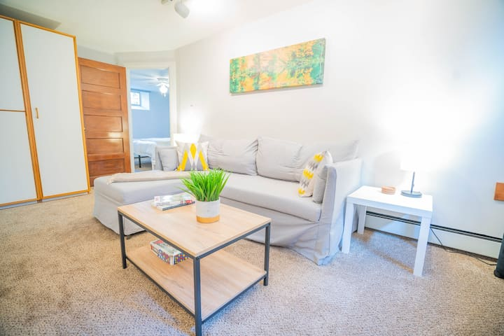 Spacious suite with spa bathroom near Wash Park!