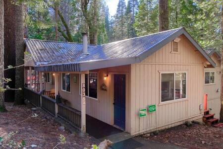 Hibernation Hideaway- Guaranteed entrance to Yosemite with reservation here!