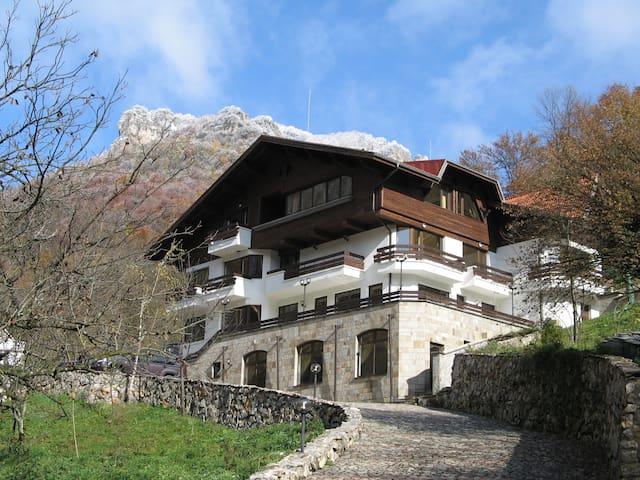 Villa Cherven - Teteven , Bulgaria