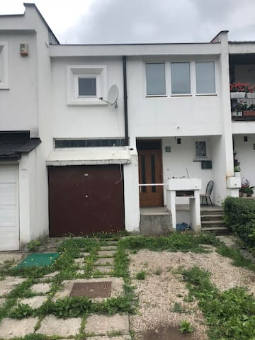 2 floor all entire house with garden and garage