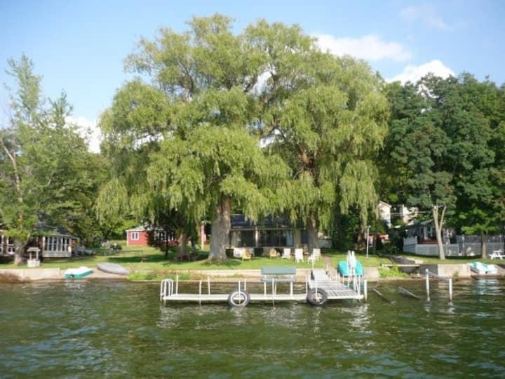 Waterfront Honeoye Lake Cottage