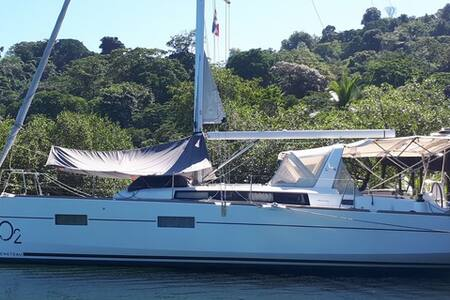 Sailboat Oceanis 38 O2 at Rana Azul