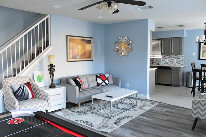 Bright and Relaxing Home in North Austin