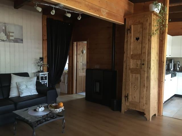 Magnifique chalet, à 15min de montreux et valais - Bex - Apartment
